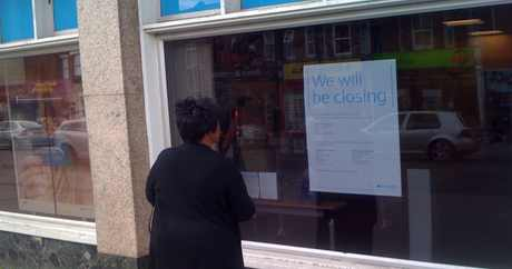 barclays bank closing sign